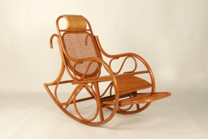 Кресло качалка Чабби CRUZO натуральный ротанг светло-коричневый kk0012