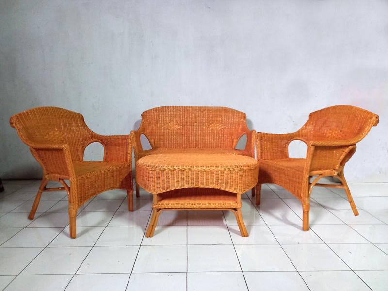 Комплект плетеной мебели из натурального ротанга Лавеа софа, 2 кресла и кофейный столик светло-коричневый CRUZO km50521