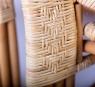 Розкладне крісло-шезлонг Одісей з натурального ротангу медового кольору CRUZO kr0017